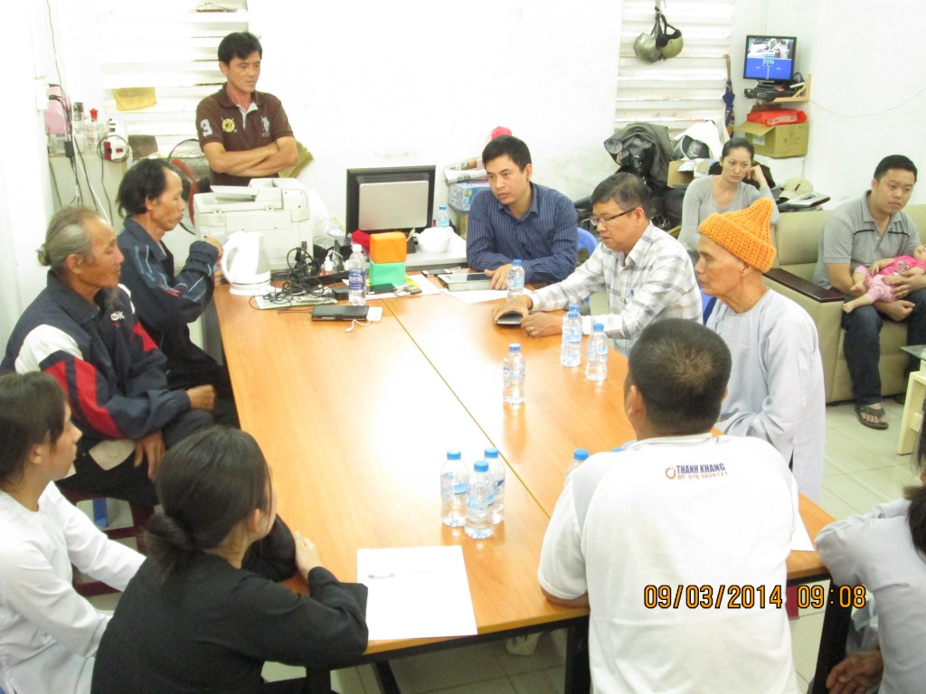 Lawyers Tran Thu Nam and Nguyen Van Mieng worked with citizens once illegally detained by Lap Vo police.